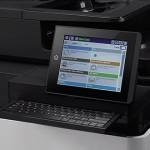 HP LaserJet Enterprise MFP flow M830z vezérlőpultja