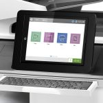HP Color LaserJet Enterprise Flow MFP M776 vezérlőpultja